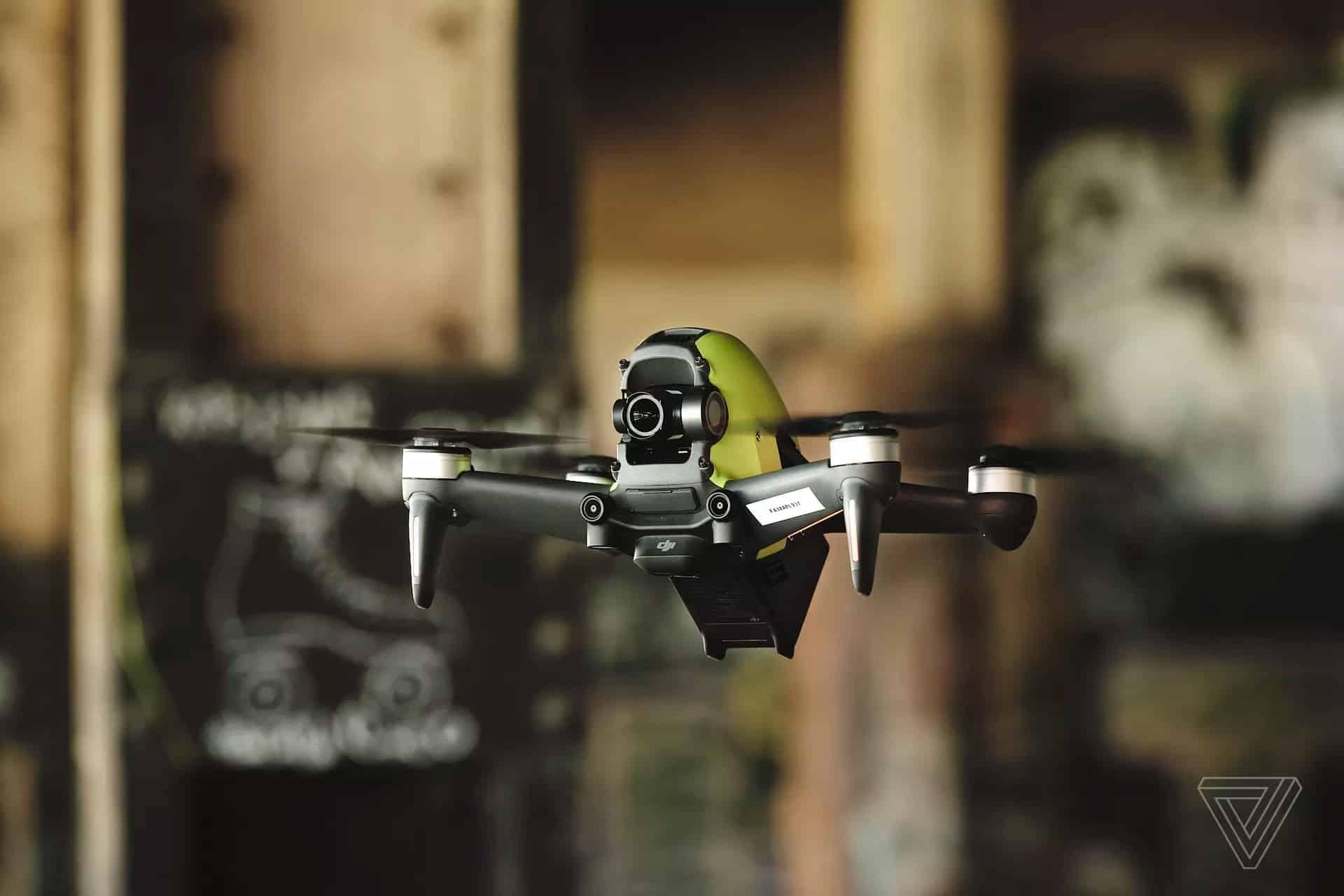 DJI FPV ra mắt, máy bay góc nhìn thứ nhất, quay 4K 60fps, tốc độ bay 140km/h