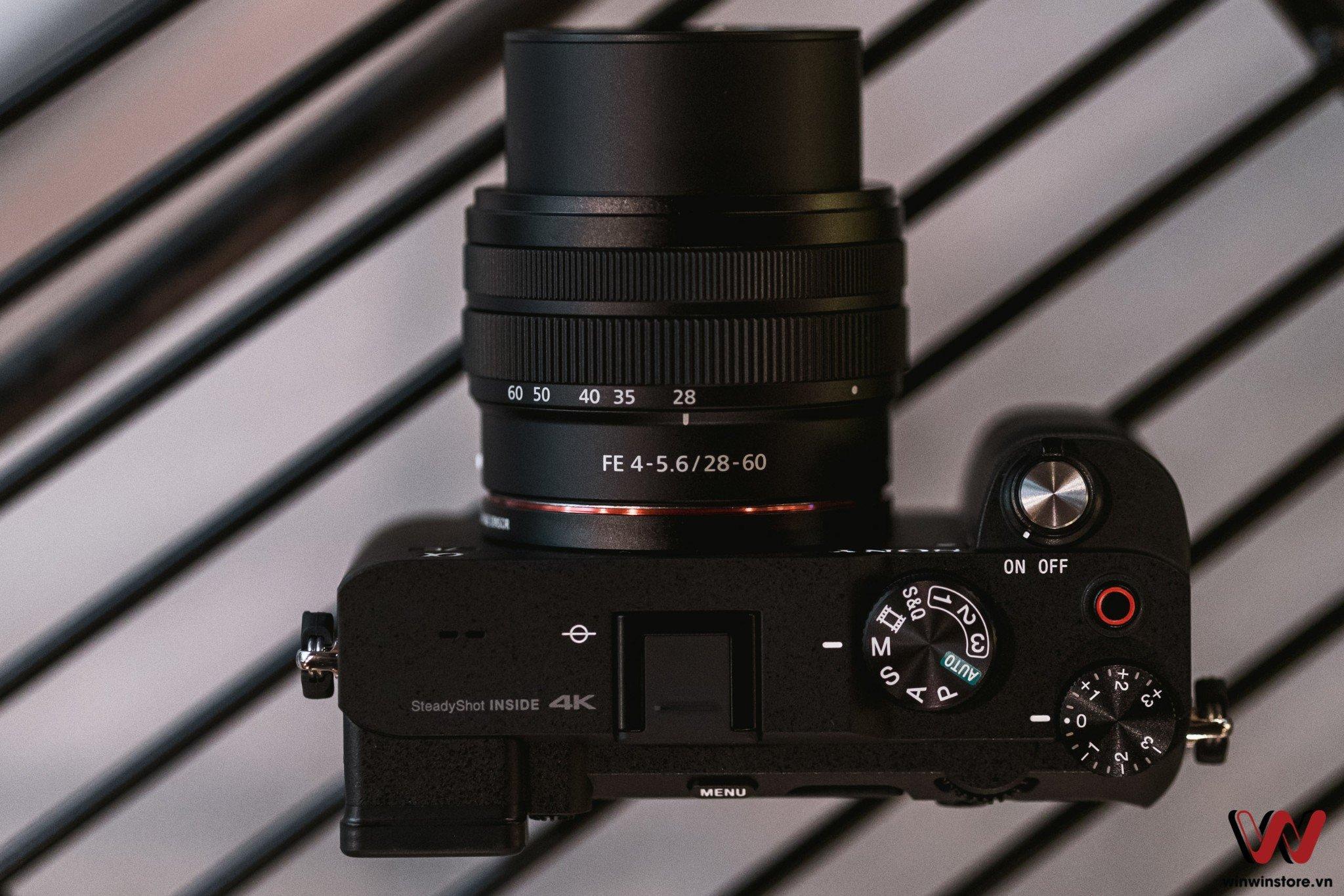 Máy ảnh Sony Alpha A7C và ống kính FE 28-60mm